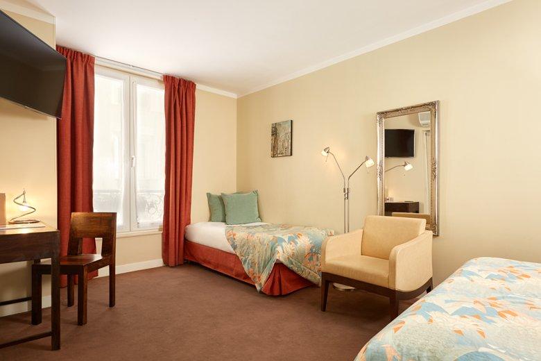 Hotel de s vres site officiel quartier saint germain for Cherche hotel